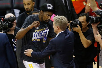 Golden: Warriors defeat Rockets on the road in Game7