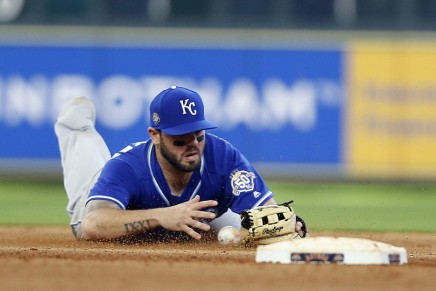 Phillies, Royals discussing potential Moustakas deal