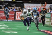 Brandon Thompkins with a kick off return against the Philadelphia Soul (Photo by Anthony Caruso III)