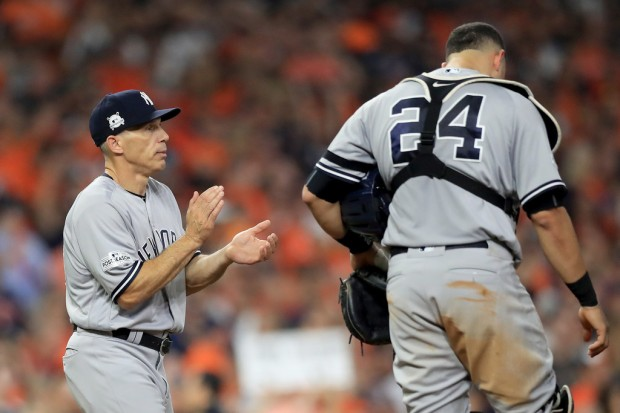 Joe Girardi making a pitching game as the Yankees manager in 2017 (Getty Images)
