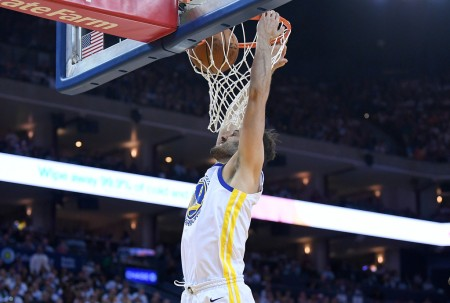 Omri Casspi dunking a basketball with the Golden State Warriors (Getty Images)