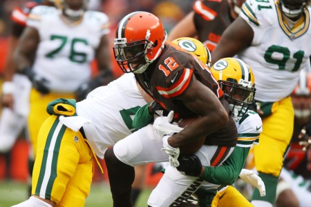 Cleveland Browns wide receiver Josh Gordon makes catch against the Packers