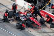 Lucas Oil SPM Honda driver Robert Wickens makes a pit stop at Texas Motor Speedway