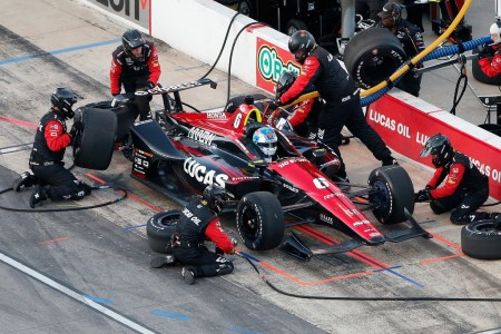Lucas Oil SPM Honda driver Robert Wickens makes a pit stop at Texas Motor Speedway