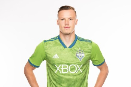 Sounders FC acquires defender Smith