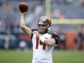 Tampa Bay Buccaneers quarterback Ryan Fitzpatrick warming up before the Chicago Bears game