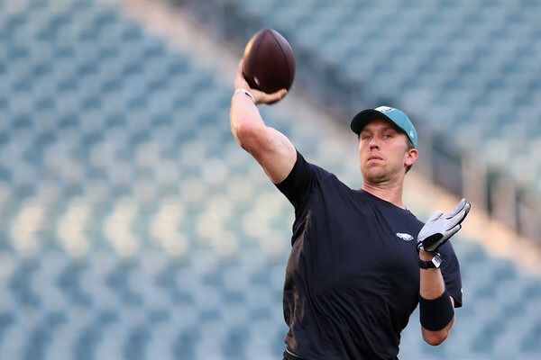 Philadelphia Eagles quarterback Nick Foles warning up before the NFL Kickoff game