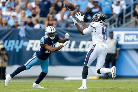 Former Baltimore Ravens wide receiver Breshad Perriman attempts to make a catch against the Tennessee Titans