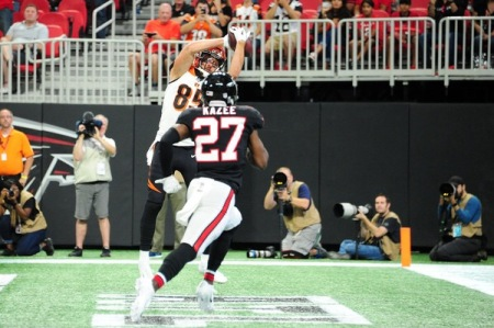 Cincinnati Bengals tight end Tyler Eifert scoring a touchdown against the Atlanta Falcons