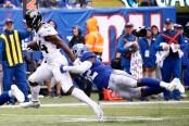 Jacksonville Jaguars running back T.J. Yeldon rushing the ball in the second quarter against the New York Giants