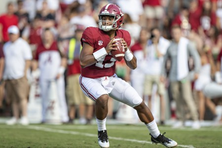 Alabama Crimson Tide quarterback Tua Tagovailoa drops back to pass the ball against the Texas A&M Aggies
