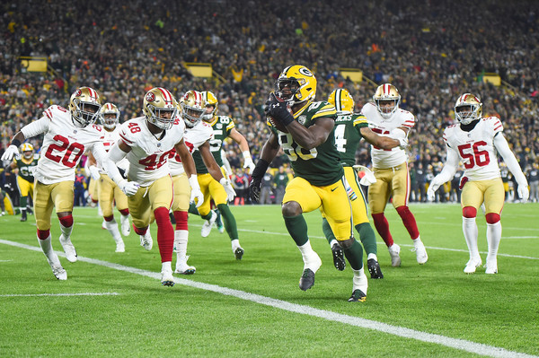Then-Green Bay Packers running back Ty Montgomery running the ball against the San Francisco 49ers