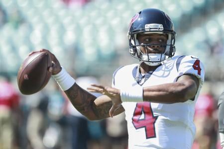 Houston Texans quarterback Deshaun Watson warming up before the Jacksonville Jaguars game