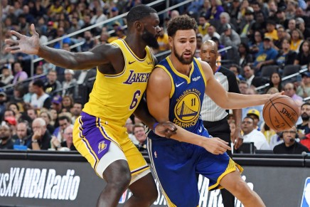 Thompson sets 3-point record in Warriorswin