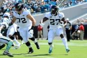 Jacksonville Jaguars running back Leonard Fournette rushing the ball against the New York Jets
