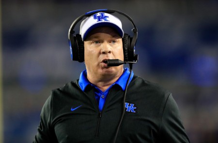 Kentucky Wildcats head coach Mark Stoops coaching his team against the South Carolina Gamecocks