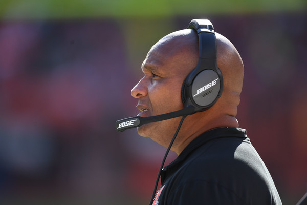 Former Cleveland Browns head coach Hue Jackson coaching against the Los Angeles Chargers