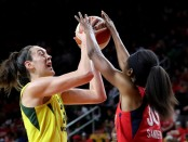 Seattle Storm star Breanna Stewart playing against the Washington Mystics in the WNBA Finals