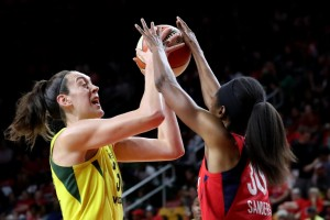 Seattle Storm star Breanna Stewart playing against the Washington Mystics in the WNBA Finals