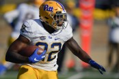 Pittsburgh Panthers running back Darrin Hall runs the ball against the Notre Dame Fighting Irish
