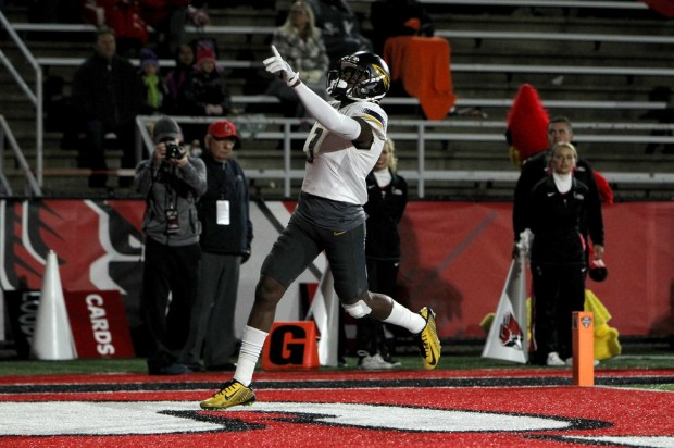 Toledo Rockets wide receiver Diontae Johnson scoring a touchdown against the Ball State Cardinals