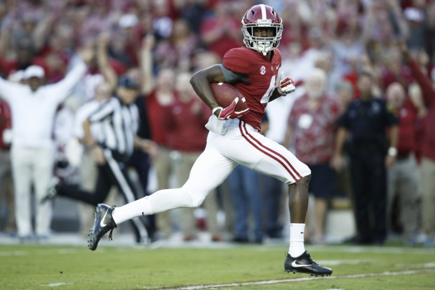 Alabama Crimson Tide wide receiver Jerry Jeudy running after the catch against the Missouri Tigers