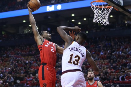Raptors' Leonard jammed his foot