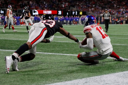 Giants defeat 49ers with late touchdown