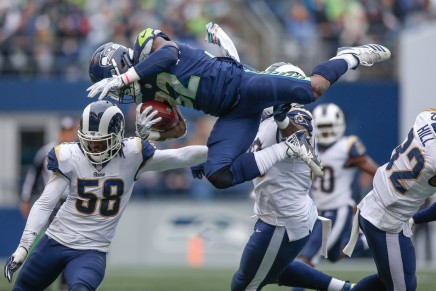 Carson scores 2 TDs, Seahawks give Chiefs second straightloss