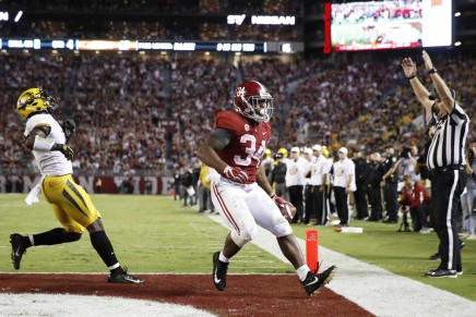 Crimson Tide defeat Sooners in College Football Semifinal in the Orange Bowl