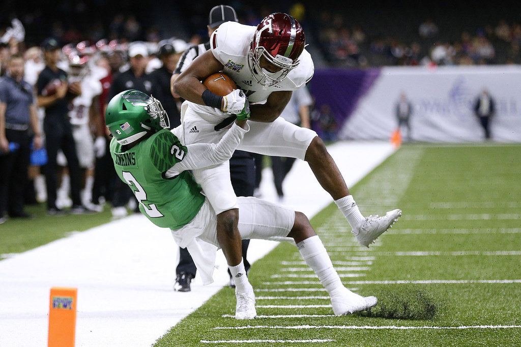 Troy Trojans wide receiver Damion Willis makes a catch against the North Texas Mean Green