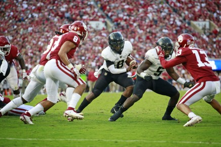 Army runs wild, defeats Houston in the Armed ForcesBowl