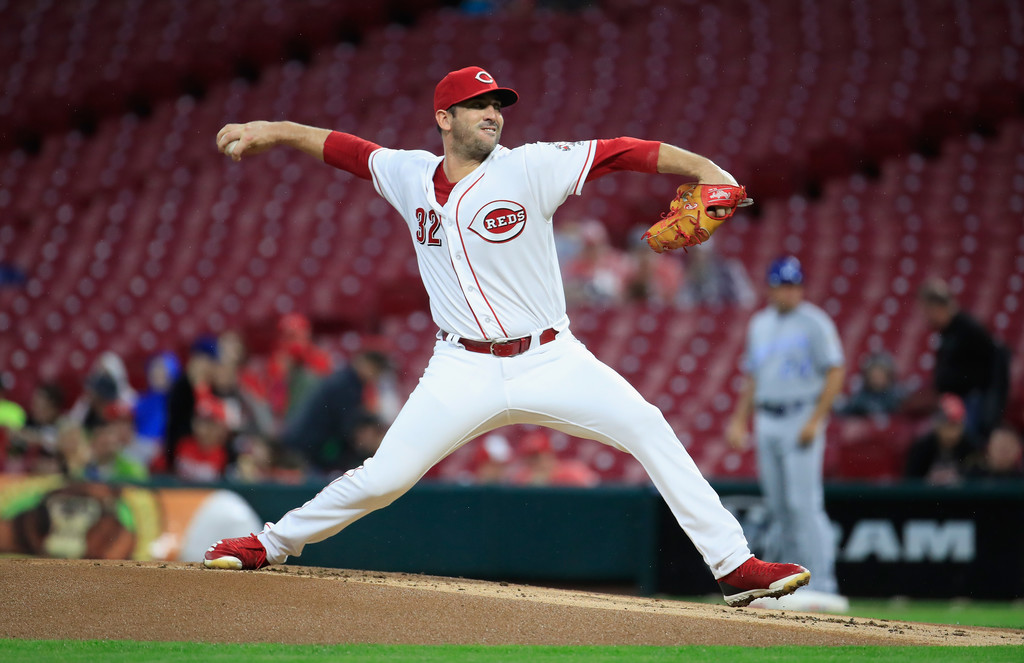 Former Cincinnati Reds pitcher Matt Harvey pitching against the Kansas City Royals