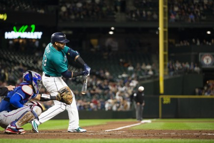 Twins sign free agent slugger Nelson Cruz