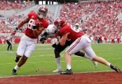 Alabama Crimson Tide wide receiver Irv Smith Jr. scoring a touchdown against the Mercer Bears