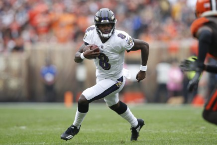 Ravens' Jackson returns vs.Falcons