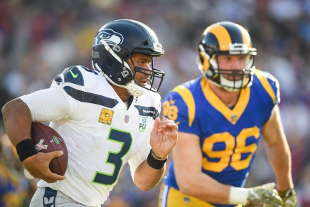 Seahawks use big second half to defeat Vikings onMNF
