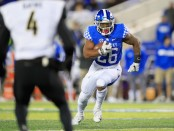 Kentucky Wildcats running back Benny Snell Jr. runs with the ball against the Vanderbilt Commodores