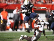 Los Angeles Chargers running back Melvin Gordon rushing the ball against the Cleveland Browns