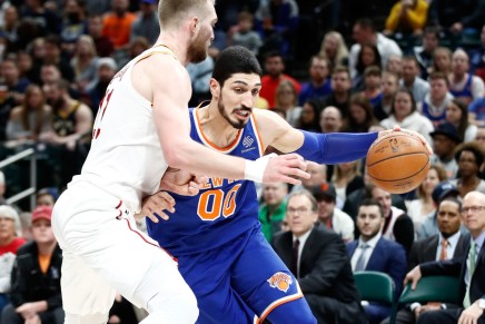 Trail Blazers sign Enes Kanter