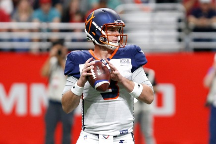 Apollos use 17-point fourth to defeat Commanders