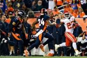 Former Kansas City Chiefs running back Kareem Hunt rushing the ball against the Denver Broncos