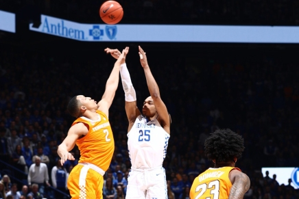 Kentucky blows out No. 1Tennessee