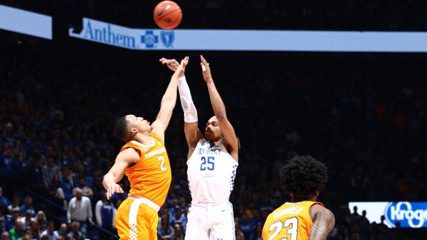 Kentucky Wildcats forward PJ Washington attempting a shot against the Tennessee Volunteers
