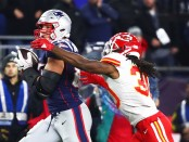 New England Patriots tight end Rob Gronkowski runs with the ball against the Kansas City Chiefs
