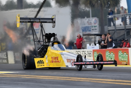 Crampton goes for two straight at Gatornationals