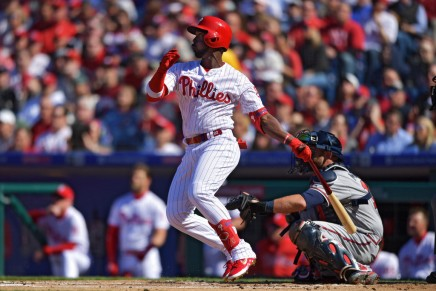 Phillies sweep Braves with 5-1win