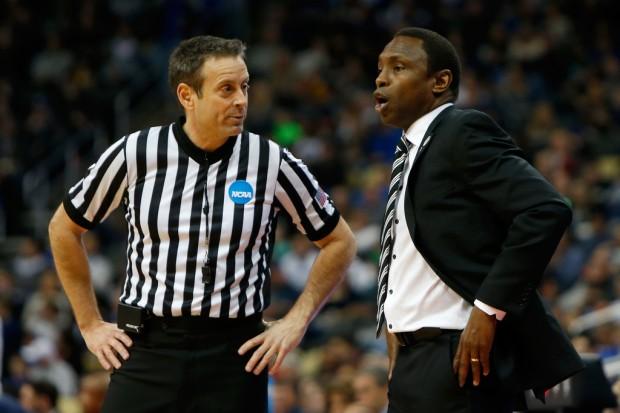 Alabama Crimson Tide head coach Avery Johnson reacts to a call against the Villanova Wildcats