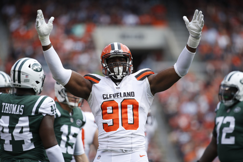 Cleveland Browns defensive lineman Emmanuel Ogbah celebrates a play in the first quarter against the New York Jets