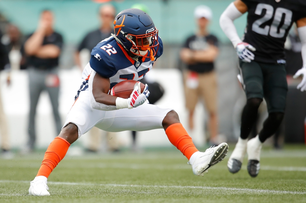 Orlando Apollos running back D'Ernest Johnson runs with the ball after a reception against the Birmingham Iron